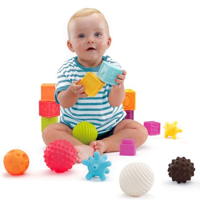 Bolas y figuras sensoriales 10 pcs Molto